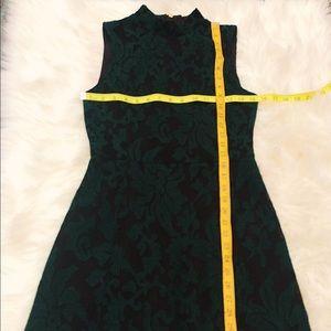 Black sleeveless shift&emerald green lace overlay
